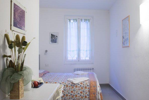 camera doppia a Riomaggiore, VIADEIBANCHI AFFITTACAMERE RIOMAGGIORE CINQUETERRE